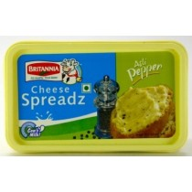 Britannia - Cheese Spread Tub Pepper